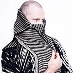 thumb_stephen-west-askews-me-shawl2.jpg