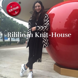 Rililie in Knit-House